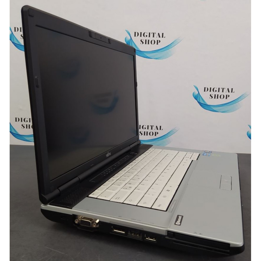 Fujitsu Lifebook E751 с процесор Intel i5 - 2520M, 4GB DDR3, 160GB HDD, 15.6''